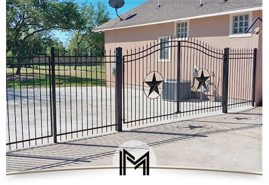 Iron fences manufacturing